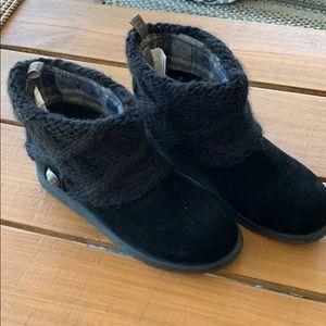 MUKLUKS black boots size 8